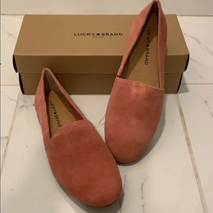 LUCKY SUEDE FLATS